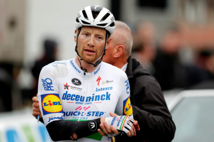 La multa que le impusieron a ciclista por empujar a Nairo en la París-Niza