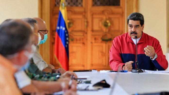"""Maduro responde a la acusaciones de EEUU: """"De aquí me sacan muerto"""""""